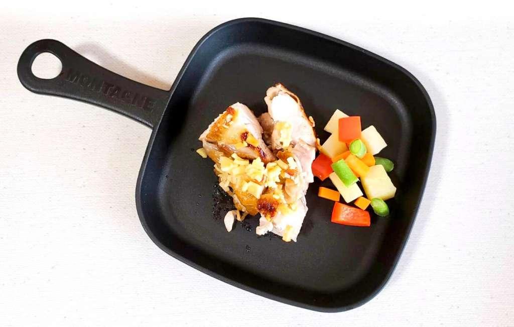 鶏肉のソテー(チーズのせ)
